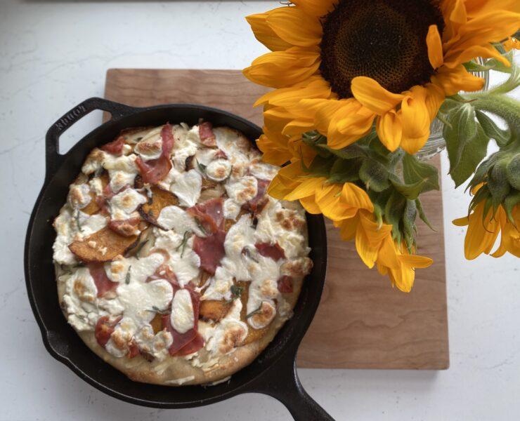 Fall pizza skillet